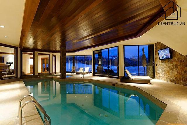 bể bơi trong nhà Bên trong căn biệt thự Starwood Estate