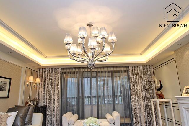 Đèn chùm tân cổ điển cho không gian chung cư độc lạ