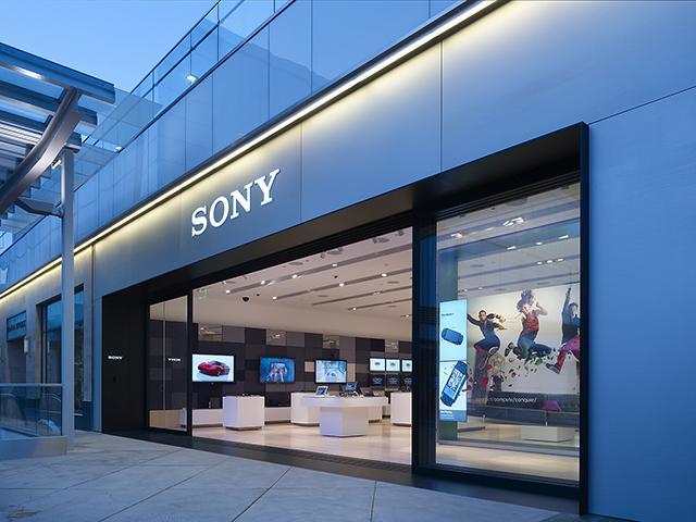 Thiết kế mặt tiền showroom đẹp là điểm then chốt giúp bạn thu hút khách hàng tiềm năng rất lớn